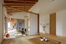 リビングから和室、ハンモックテラスまで広がる開放的な間取り。
